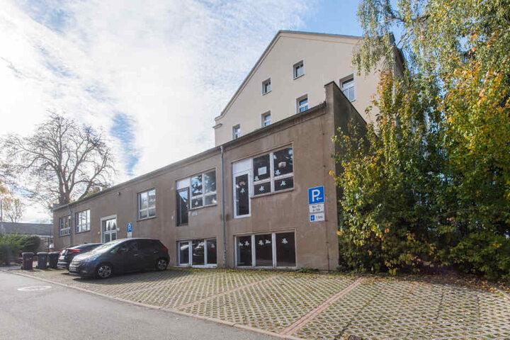 Die Grundschule Mittelbach wurde und wird saniert. Der Wunsch: In den Anbau soll der Hort einziehen.