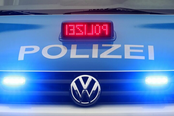 Die Polizei ermittelt nun wegen schwerer Brandstiftung. (Symbolbild)
