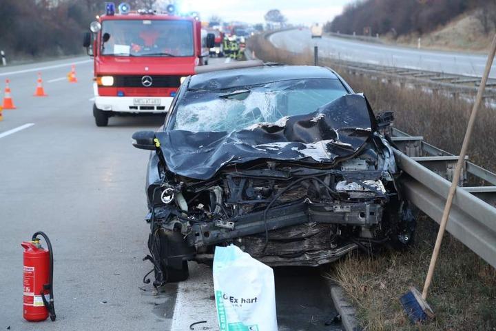 Der Fahrer des anderen Autos wurde schwer verletzt.