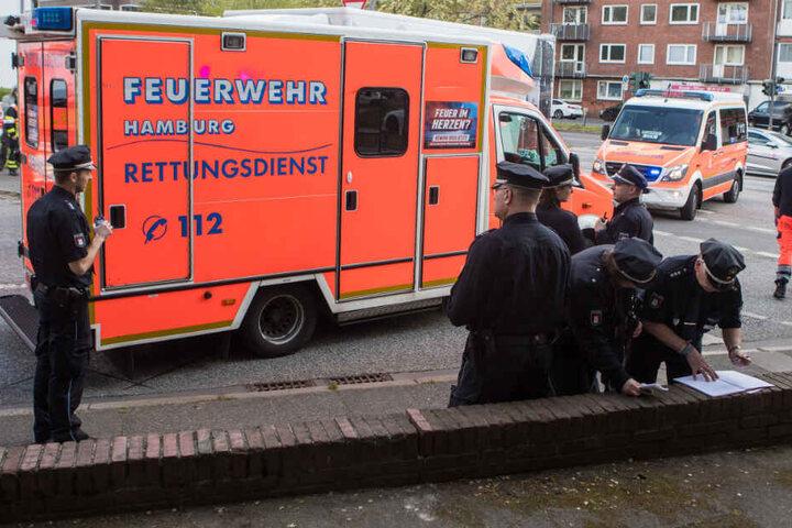 Rettungskräfte und Polizei waren zahlreich vor Ort.