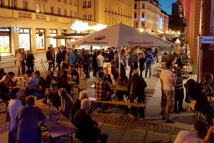 So viel Durst! Tausende zog es seit Donnerstag zum Brauereimarkt in die Chemnitzer City.