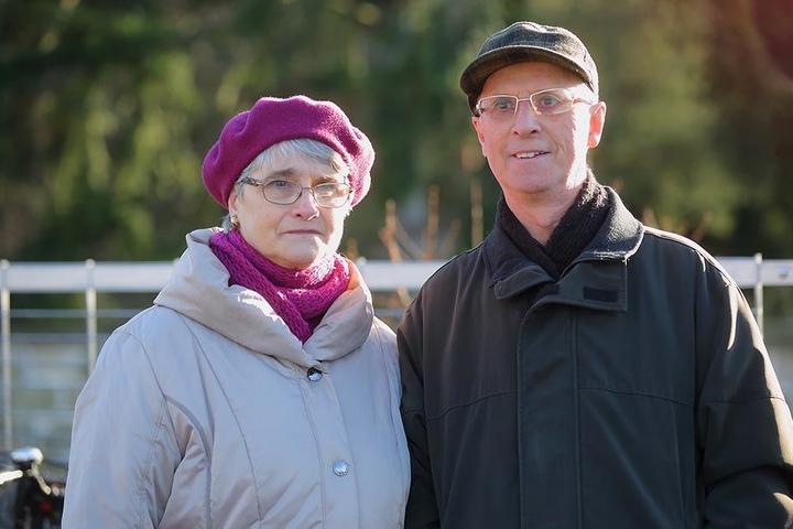 """Bernd (75) und Rosemarie Oehmig (70), Rentner aus Dresden: """"Wir wollen gesund bleiben und darum auch mehr frisches Gemüse essen. Das kommt aus unserem eigenen Garten in Seidnitz, wo wir Kartoffeln, Bohnen, Möhren und Zwiebeln anbauen."""""""