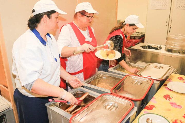 Jedes Jahr wird das Restaurant an Nikolaus mit Bratwurst, Sauerkraut und Kartoffeln eröffnet.
