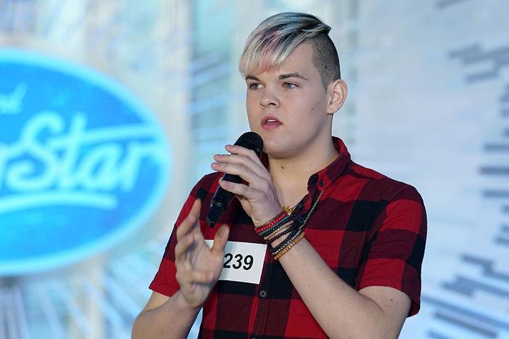 """Mit seinen """"sehr speziellen"""" Gesangskünsten möchte Tim Haßstedt (18) die Jury überzeugen."""