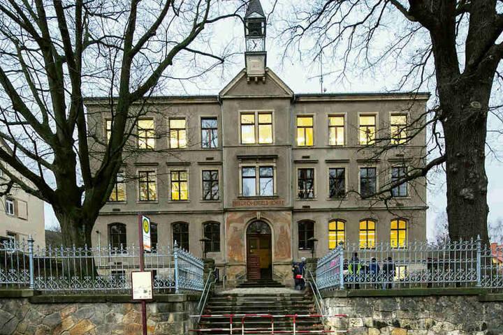 Die Ausweich-Schule im Freitaler Ortsteil Kleinnaundorf.