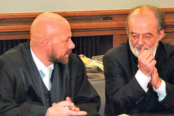 Trug als Kapitalmarkt-Vorstand bei der SLB Verantwortung: Stefan Leusder (61, r.), hier mit seinem Anwalt Christian Friedrich.