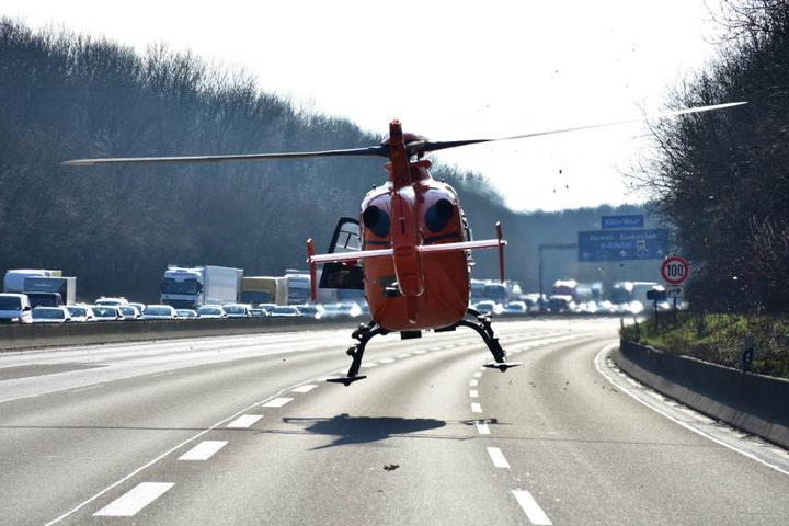 Ein Notarzt musste per Rettungshubschrauber einfliegen.