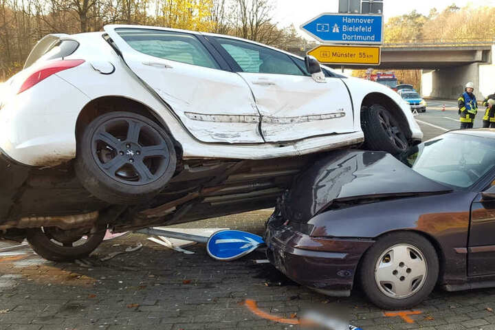 Auf dem Opel kam der Peugeot zum Stehen.