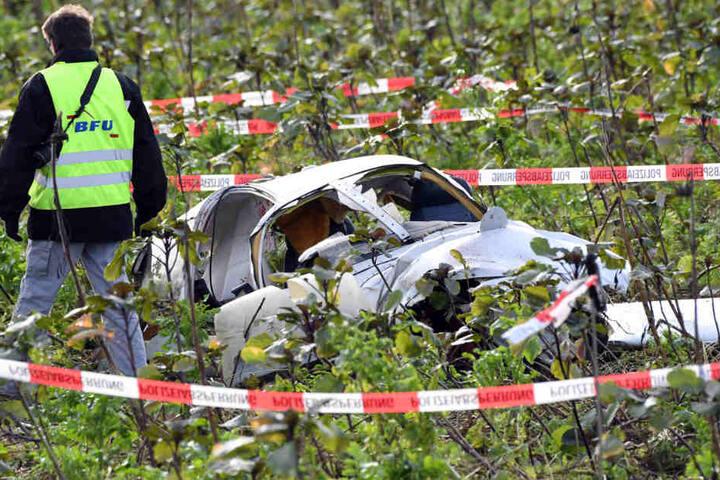 Insgesamt starben bei dem Unglück vier Menschen, darunter die beiden Insassen dieser Piper-Maschine.