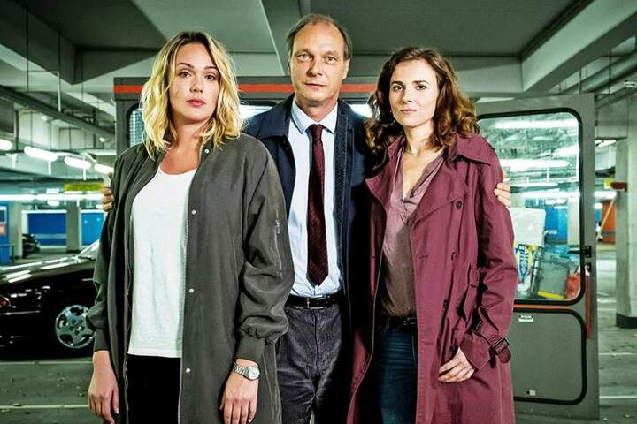 Alwara Höfels als Kommissarin Henni Sieland, Martin Brambach als Kommissariatsleiter Peter Michael Schnabel und Karin Hanczewski als Komissarin Karin Gorniak.