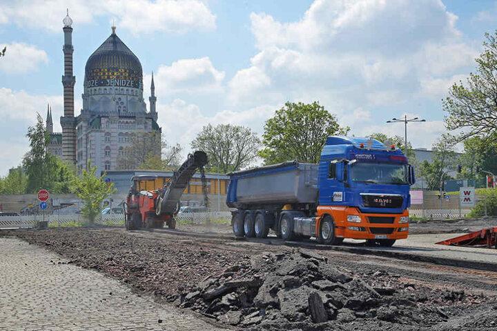Am Montag begannen die Arbeiten für den neuen, kostenpflichtigen Parkplatz.