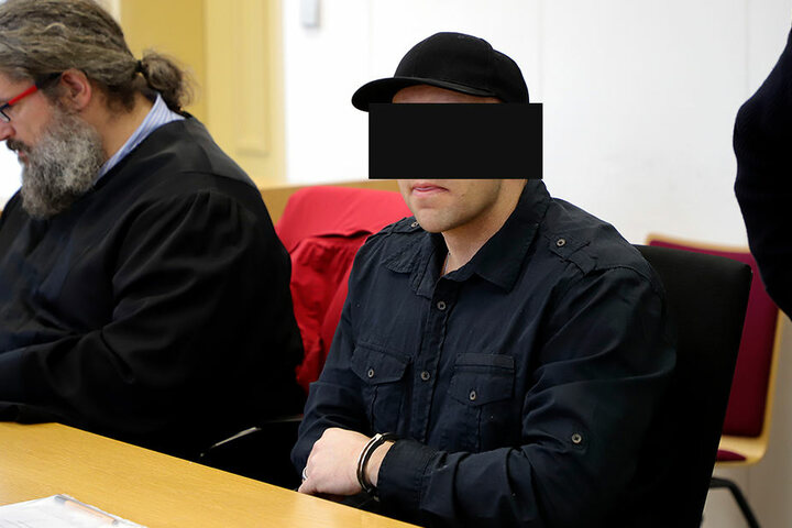 Robert G. (32) soll seinen Bekannten Rico S. (38) nach einem Streit um einen Mercedes AMG (Wert: 20.000 Euro) getötet haben.