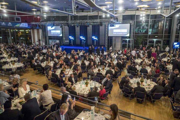 Mehr als 1000 geladene Gäste füllten am Samstagabend das Congress Center.
