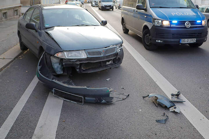 Der Fahrer des Mitsubishi wollte gerade ausparken, als der Unfall passierte.