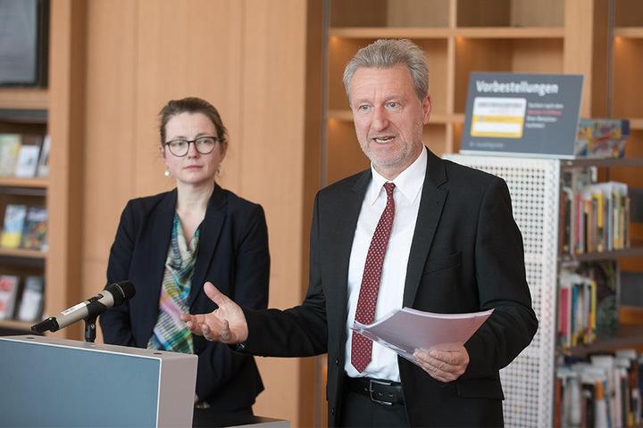 Bibliothekschef Professor Arend Flemming (59).