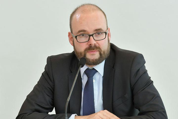 Kultusminister Christian Piwarz (43, CDU) gelobt Besserung.