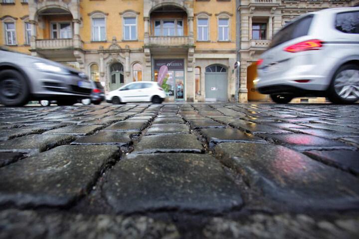 Bei immer größeren Autos mit immer dickeren Reifen helfen die Lärmschutzmaßnahmen nur wenig.