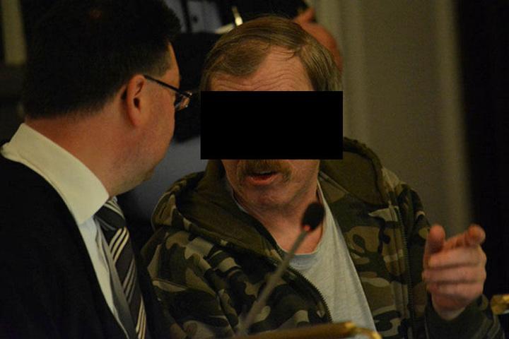 Helmut S. (61) steht wegen Mordes vorm Landgericht Zwickau.