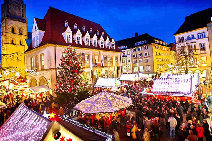 Der Alte Markt im Herzen der Bielefelder Altstadt bietet eine stimmungsvolle Kulisse für die Weihnachtszeit.