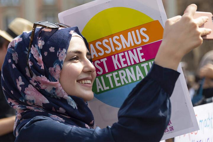 Muslime, Christen und Atheisten zogen am Wochenende friedlich durch Dresden.