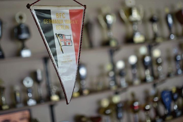 Viele Pokale zeugen von den großen und kleinen Titel des BFC Germania.