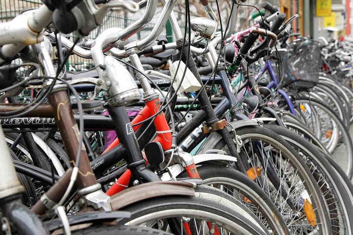 Auf dem Gebraucht-Fahrradmarkt findet man ein großes Angebot an gebrauchten Fahrrädern jeglicher Art. (Symbolbild)