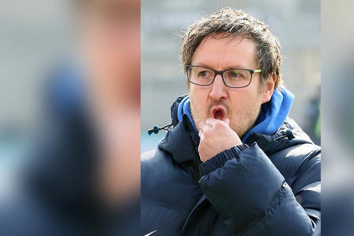 Coach Hannes Drews überlegt noch, auf welcher Position er Clemens Fandrich spielen lässt.
