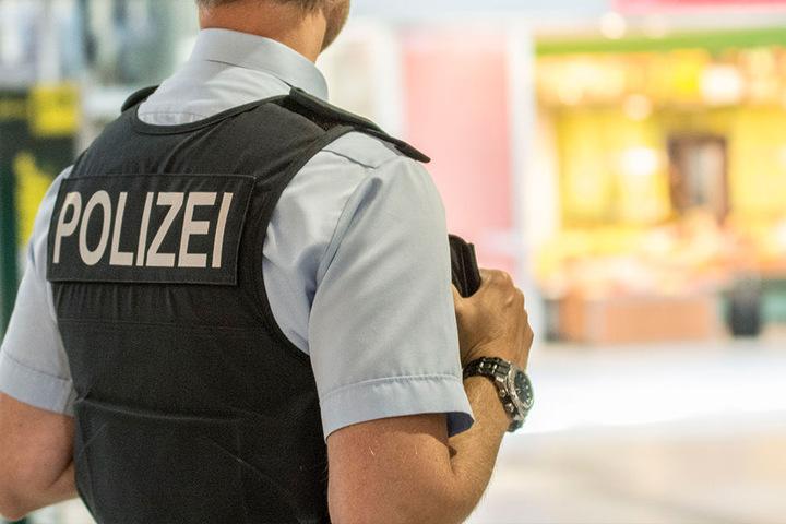 Die Bundespolizei hat Entschärfer aus Leipzig angefordert.