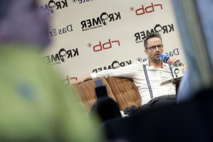 """Der Comedian bei der Vorstellung seiner früheren ARD-Sendung """"Krömer - Late Night Show"""" im Jahr 2012."""