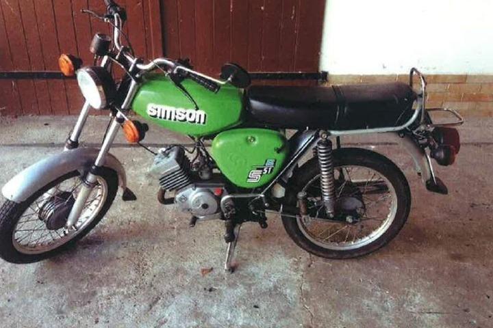 Vergleichsmodell: Mit solch einer Simson S51 fuhr der Täter zur Tankstelle und wieder weg.