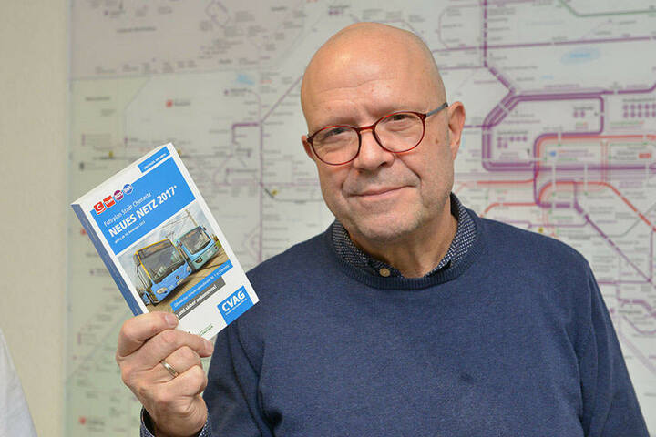 CVAG-Sprecher Stefan Tschök (60) präsentierte im Dezember 2017 stolz den neuen Fahrplan.