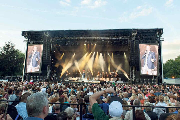Die Open-Air-Konzerte in Chemnitz (siehe Foto) und am Dresdner Elbufer waren  auch 2016 in Rekordzeit ausverkauft.