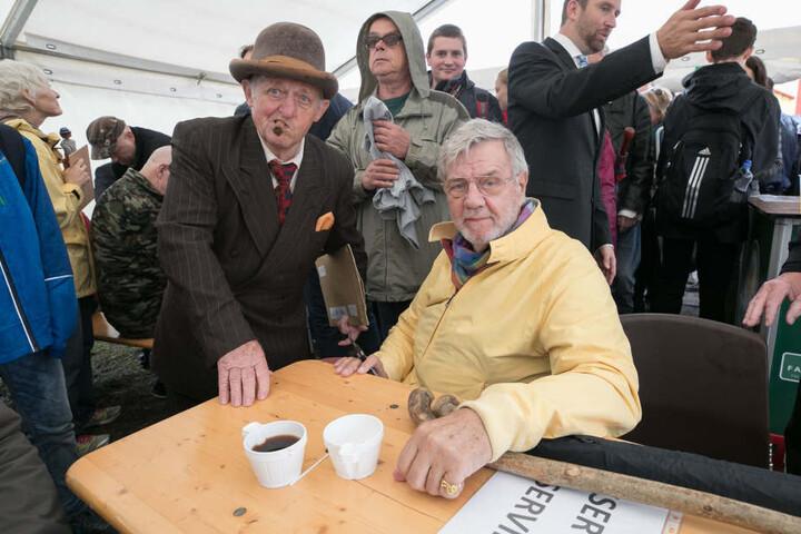 """Falscher Egon, echter Benny! Hobby-Schauspieler Friedrich-Karl Steinbach (81) traf in Dänemark seinen """"Kollegen"""" Morten Grunwald (82), in 14 Filmen Mitglied der Olsenbande."""