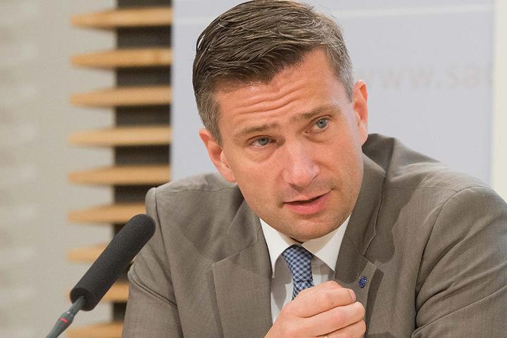 Steht wegen des A4-Dauerstaus unter Beschuss: Verkehrsminister Martin Dulig (44, SPD).