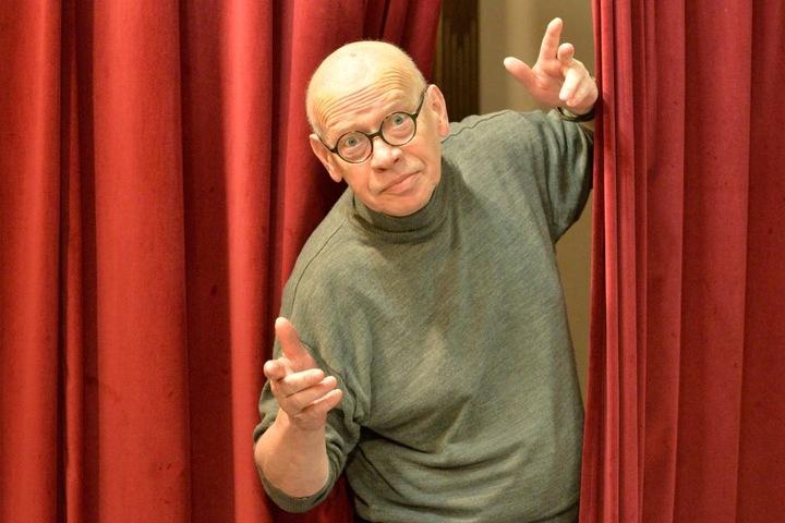 Pantomime Ralf Herzog (65) will dem Irrgarten in Kleinwelka helfen.