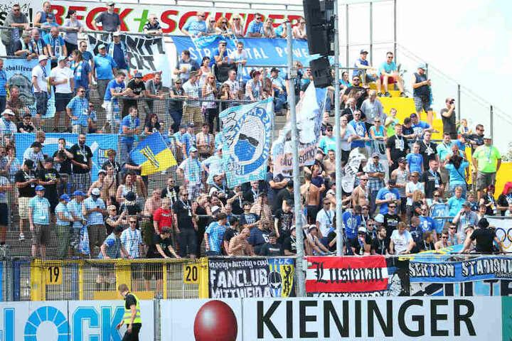 Bitter! Lange sah es nach einem Sieg für die Chemnitzer aus. Erst in der 5. Minute der Nachspielzeit glichen der VfR Aalen durch Wegkamp aus.