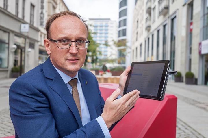 SPD-Stadtrat Jörg Vieweg (46) kritisiert die Stadtverwaltung. Denn  Fördergelder für öffentliche Hotspots  wurden nicht beantragt.