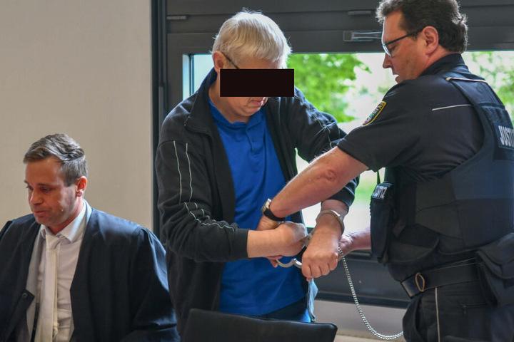Albert H. soll zwischen November 2017 und November 2018 vier Jungen missbraucht haben.