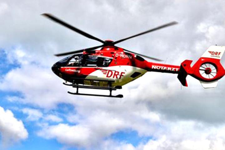 Mit dem Rettungshubschrauber Christoph 62 kam der Mann ins Krankenhaus.