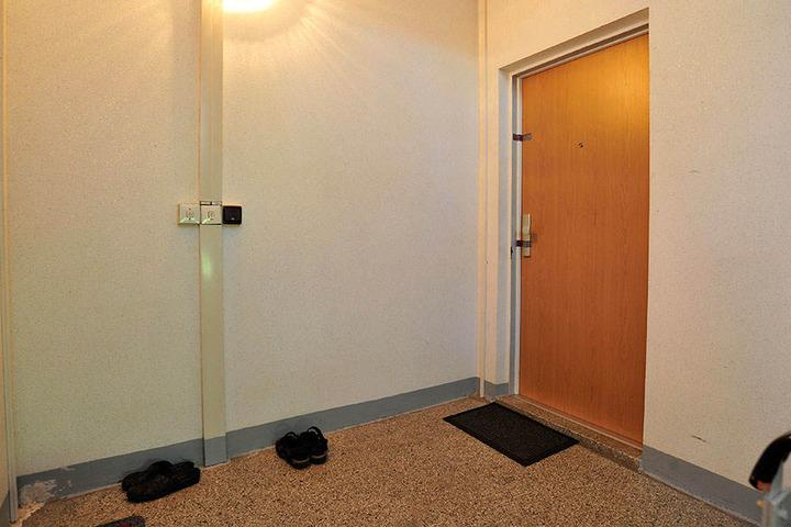 Hinter dieser Wohnungstür wurden die beiden Schwestern niedergestochen.