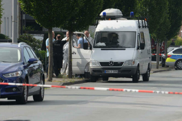 Der Tatort wurde von der Polizei komplett abgesperrt.