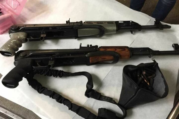 Diese Waffen wurde unter anderem sichergestellt.