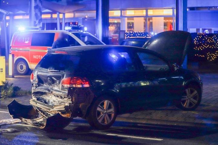 Beim Ausparken übersah die Autofahrerin das Taxi.