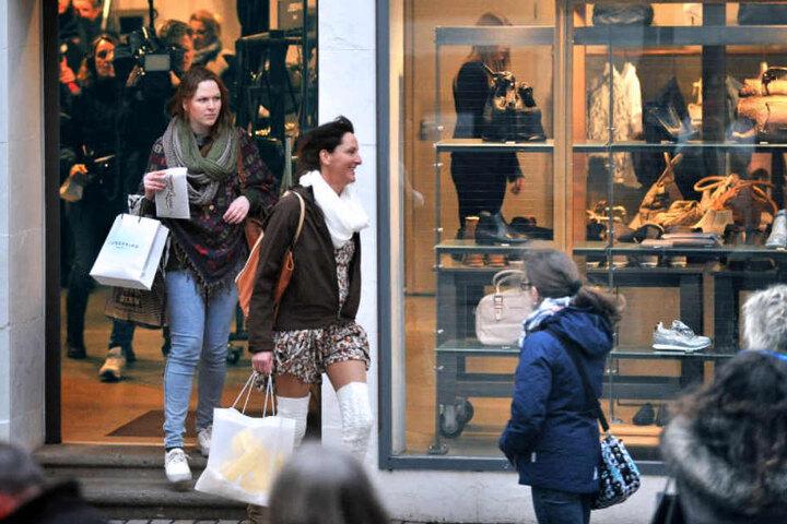 Ihre Shopping-Tour durch Bielefeld führte Sandra unter anderem zur Taschen-Marke Liebeskind.