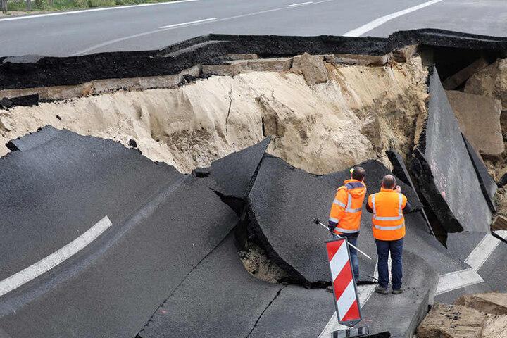 Schuld an der Absenkung der Autobahn soll Baupfusch sein.