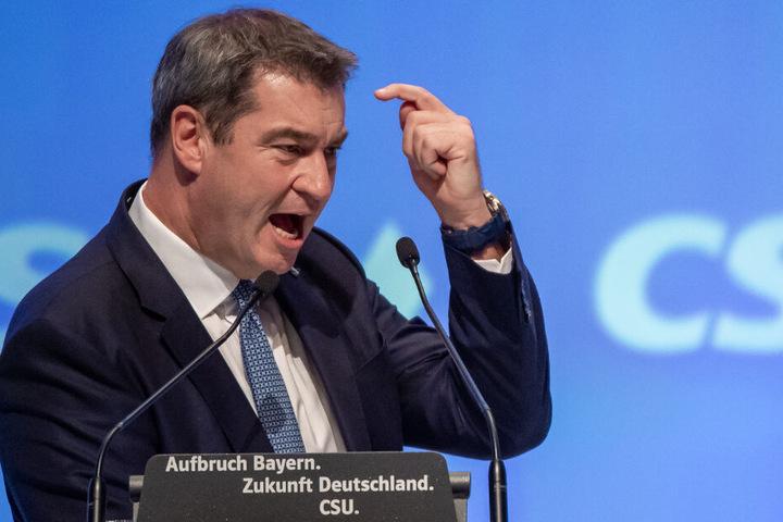 Markus Söder, CSU-Parteivorsitzender und Ministerpräsident von Bayern, spricht beim CSU-Parteitag in der Olympiahalle.