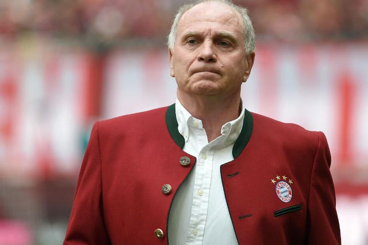 Uli Hoeneß wird beim FC Bayern München in das zweite Glied rücken.