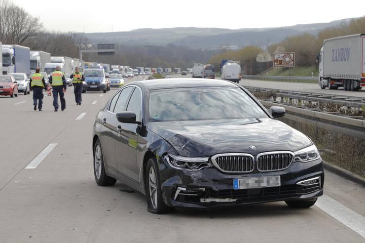 Nach dem Crash musste die Autobahn kurzzeitig gesperrt werden.