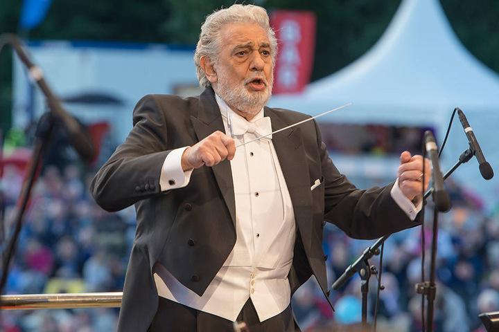 Placido Domingo - der Dirigent bei der Arbeit.