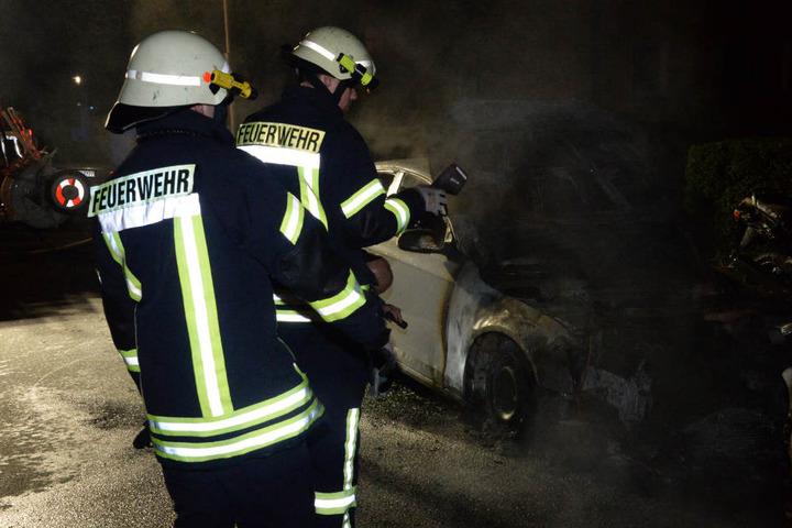 Drei Brände in 24 Stunden Wütet ein Feuerteufel in Berliner Hochhaus?